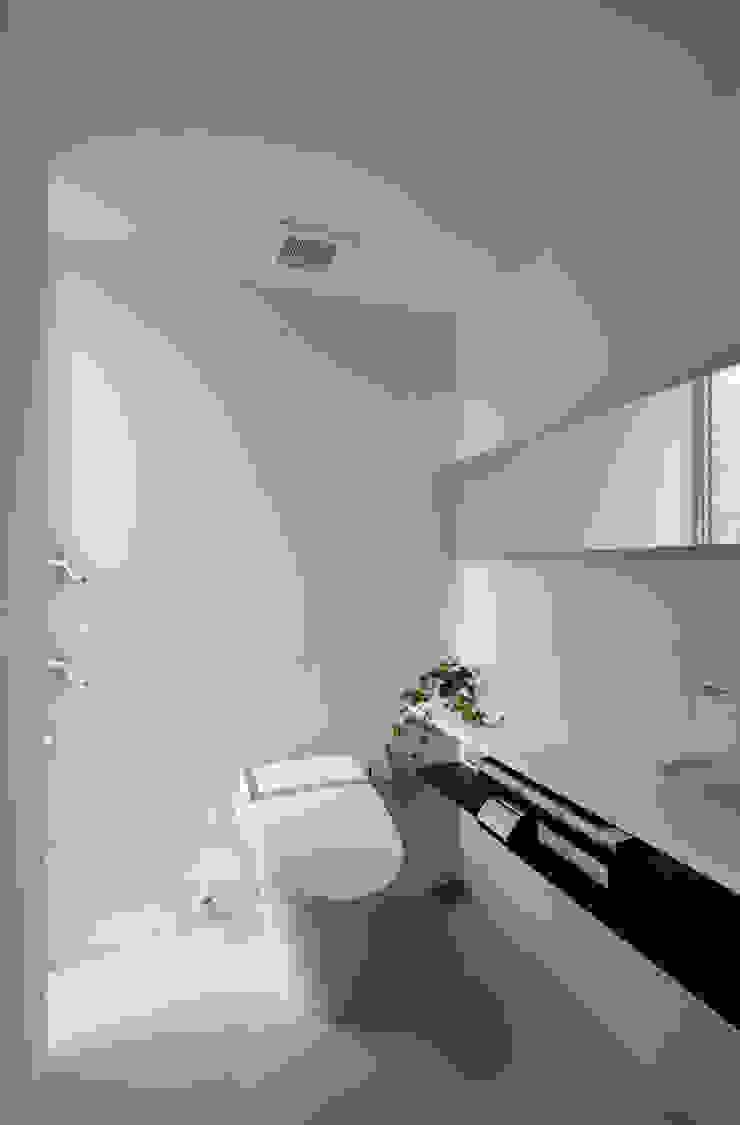 トイレ モダンスタイルの お風呂 の 株式会社クレールアーキラボ モダン 鉄筋コンクリート