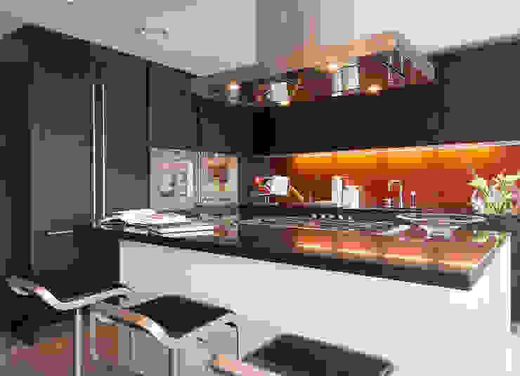 Lancasters Show Apartments - Kitchen 2 LINLEY London 現代廚房設計點子、靈感&圖片