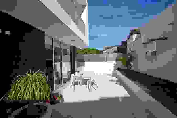 Casa A.F. | atelier d'arquitectura J. A. Lopes da Costa Jardins modernos por Atelier d'Arquitetura Lopes da Costa Moderno