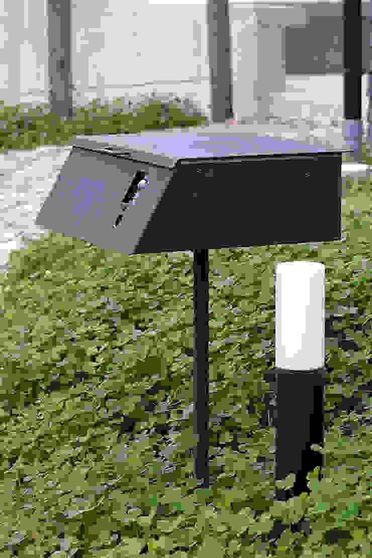 オリジナル郵便受け: 小林良孝建築事務所が手掛けた工業用です。,インダストリアル 鉄/鋼