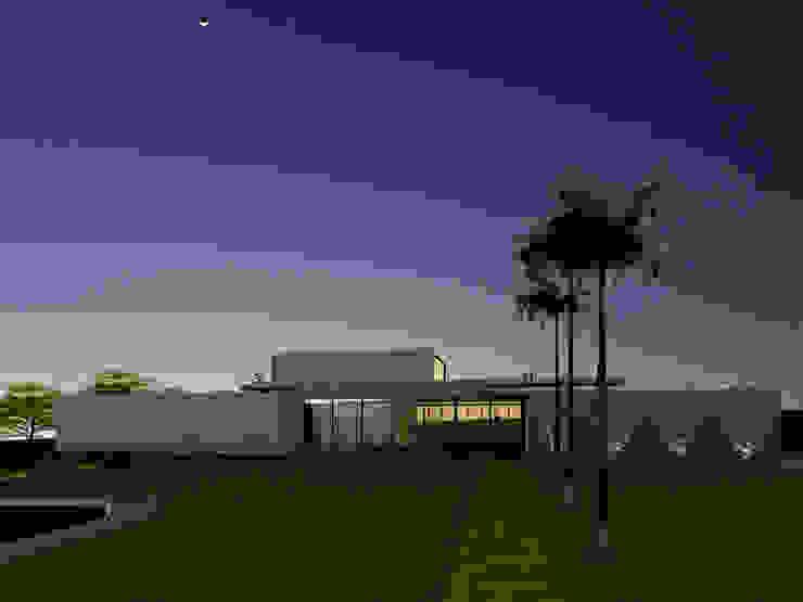 Fachada - Casa - Park Way - Brasília/DF Casas modernas por Arquitetura do Brasil Moderno