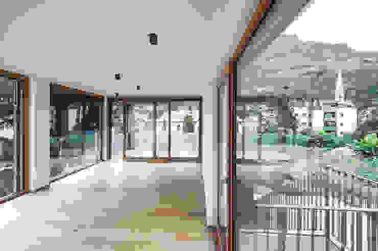Villa Gries Moderne Wohnzimmer von noa* - network of architecture Modern