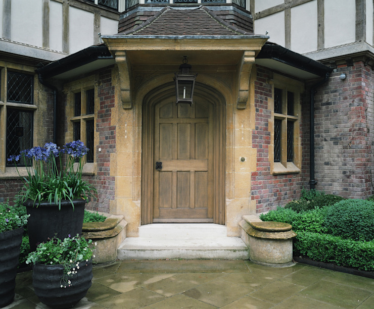 External Oak Door Classic windows & doors by Stuart Interiors Classic Wood Wood effect