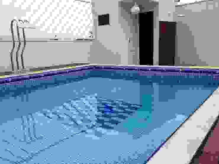 Moderne zwembaden van Arquitetura Ecológica Modern