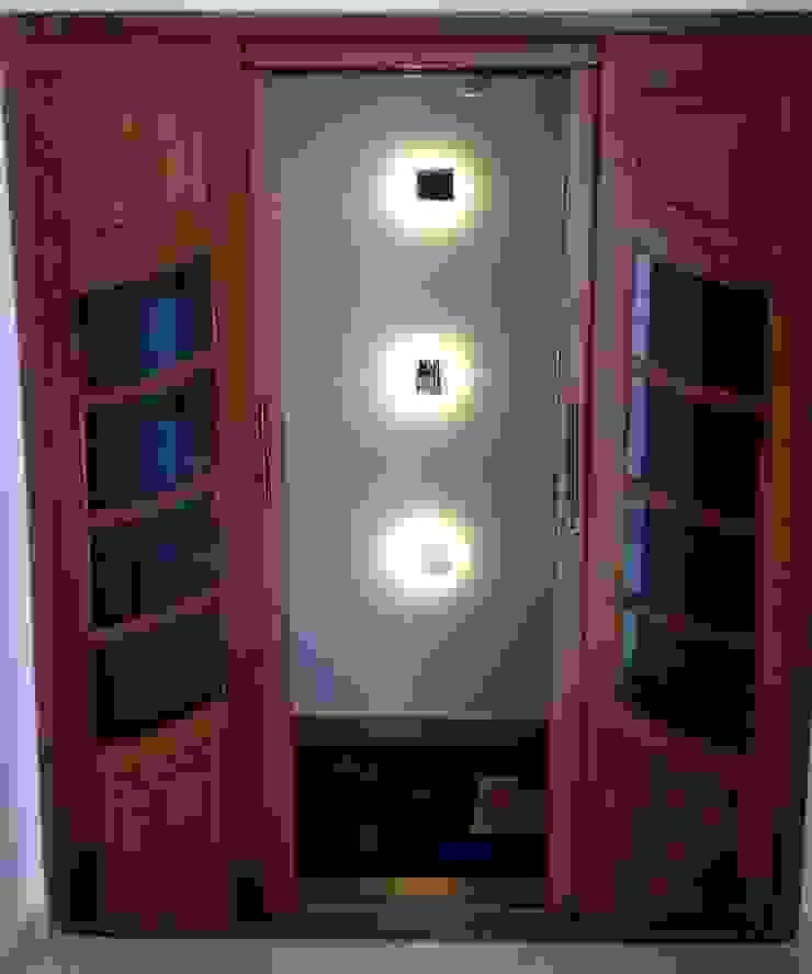 Moderne gangen, hallen & trappenhuizen van Arquitetura Ecológica Modern