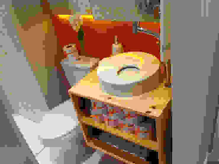 Decorado 49m² Banheiros ecléticos por Fabiana Rosello Arquitetura e Interiores Eclético