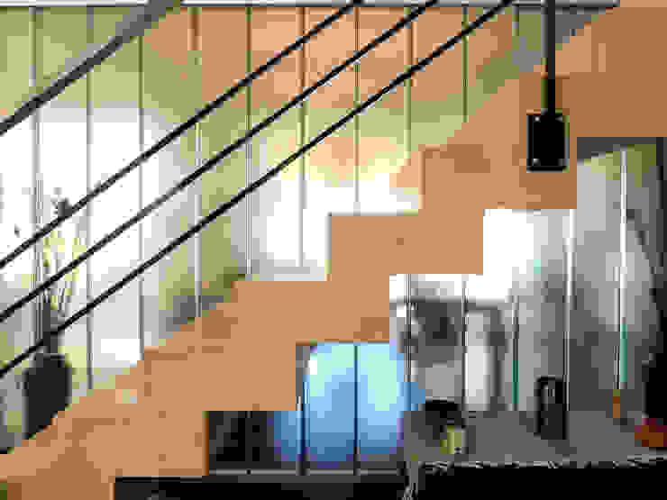 Wohnzimmer von Carbone Fernandez Arquitectos