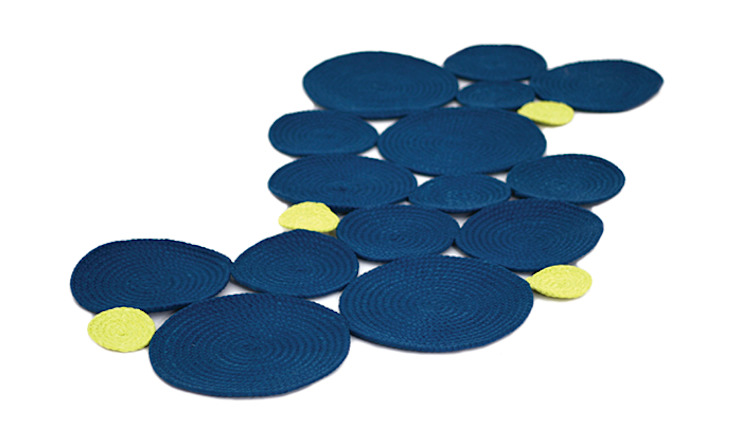 Darono | IN | OUT | Waterlilly Rug por Darono Moderno