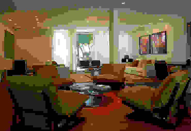 Residência 500m² Salas de estar modernas por Fabiana Rosello Arquitetura e Interiores Moderno