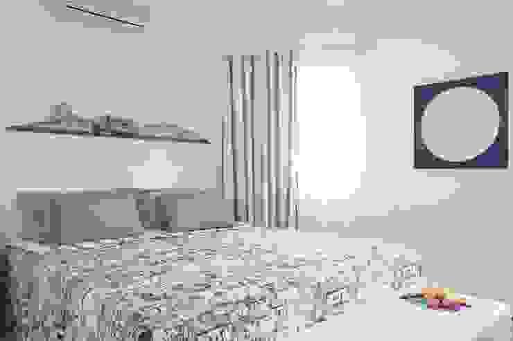 Apartamento Guarujá Quartos modernos por Antônio Ferreira Junior e Mário Celso Bernardes Moderno
