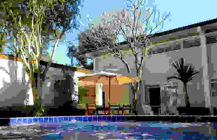 Residência 500m² Spa moderno por Fabiana Rosello Arquitetura e Interiores Moderno