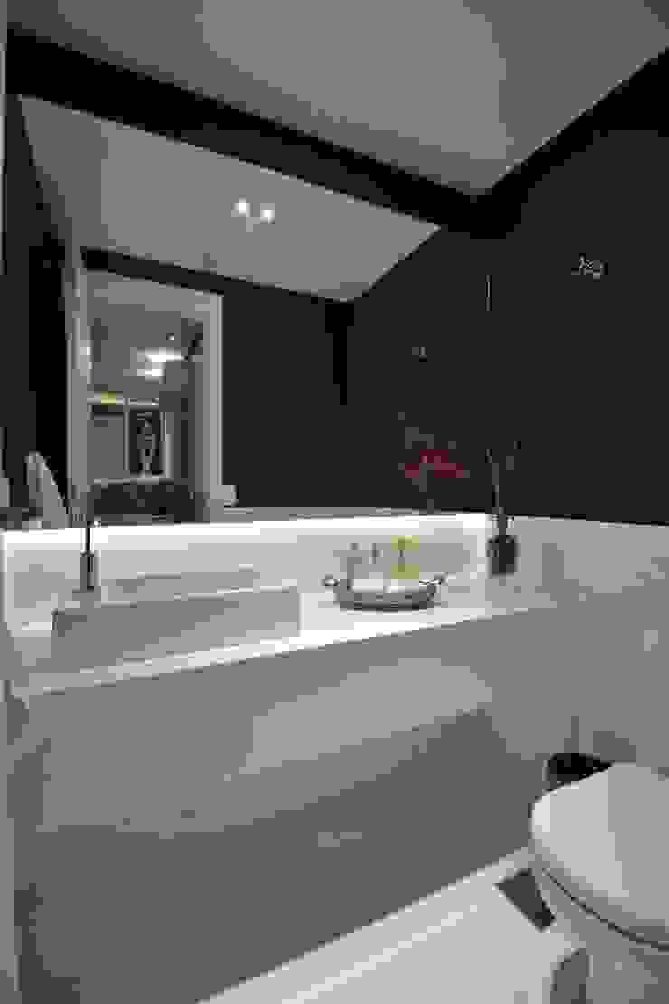Morar e receber bem Banheiros modernos por Marcelo Minuscoli - Projetos Personalizados Moderno