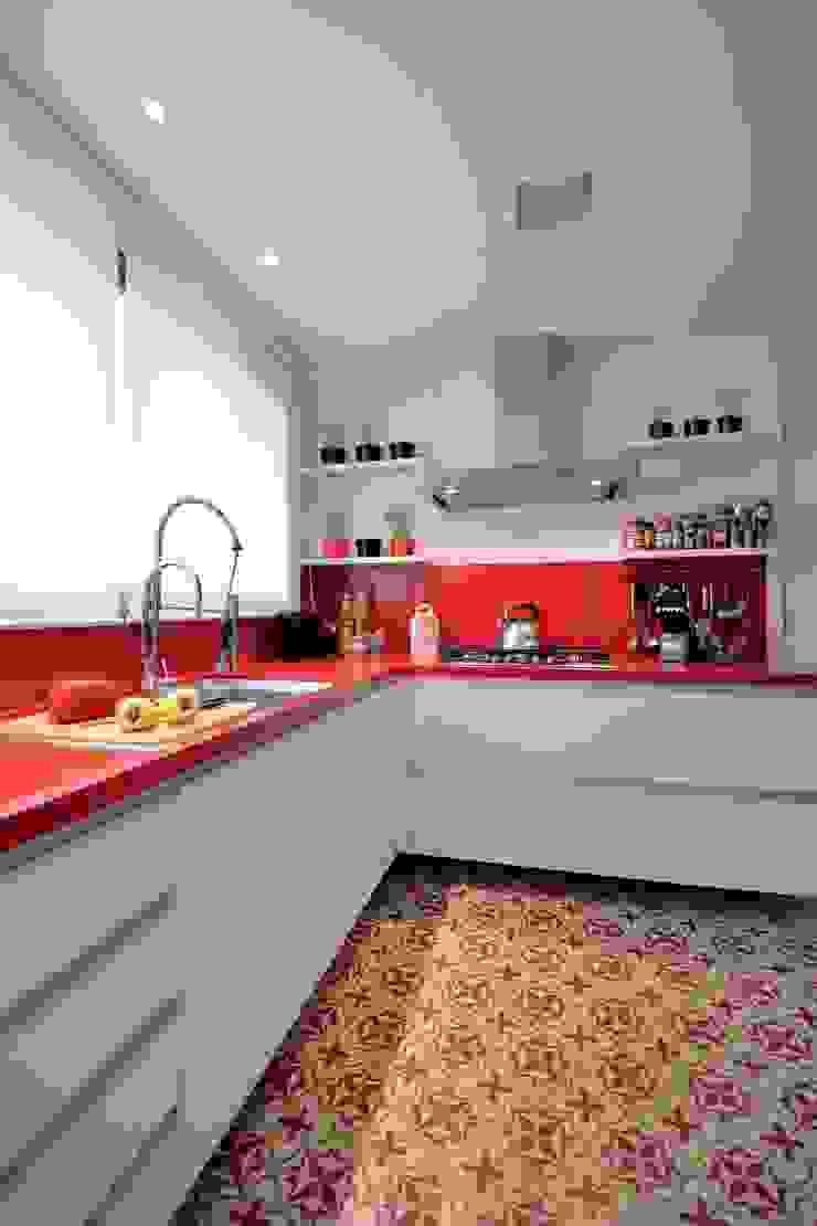 Morar e receber bem Cozinhas modernas por Marcelo Minuscoli - Projetos Personalizados Moderno