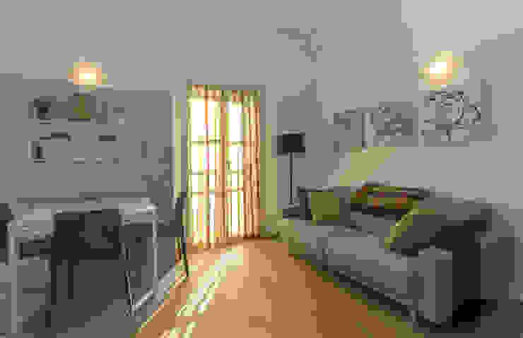 Il mini loft di Luca Riccardo - arredatorepertutti.com Moderno