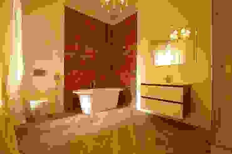 Chistie Prudy flat. Total reconstruction. Salle de bain industrielle par Alexander Krivov Industriel Briques
