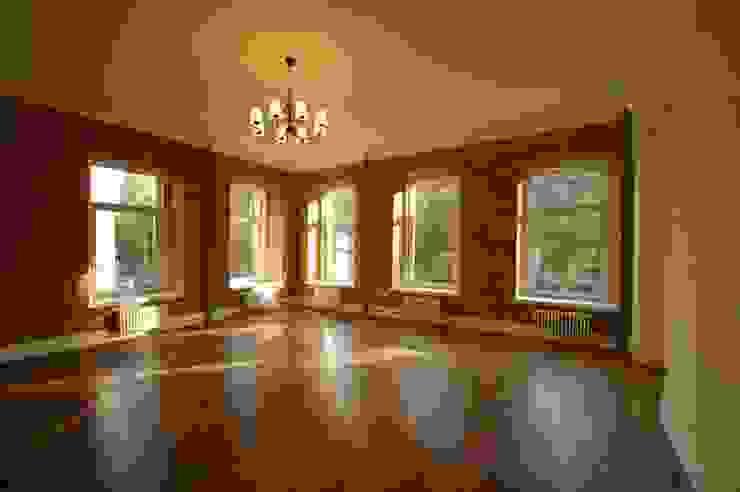 Chistie Prudy flat. Total reconstruction. Salon industriel par Alexander Krivov Industriel Briques