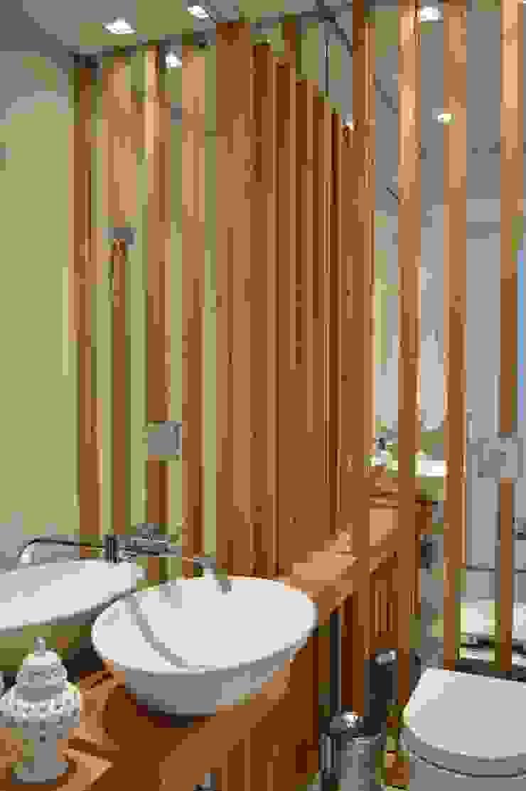 Apartamento 294m² Banheiros modernos por Fabiana Rosello Arquitetura e Interiores Moderno