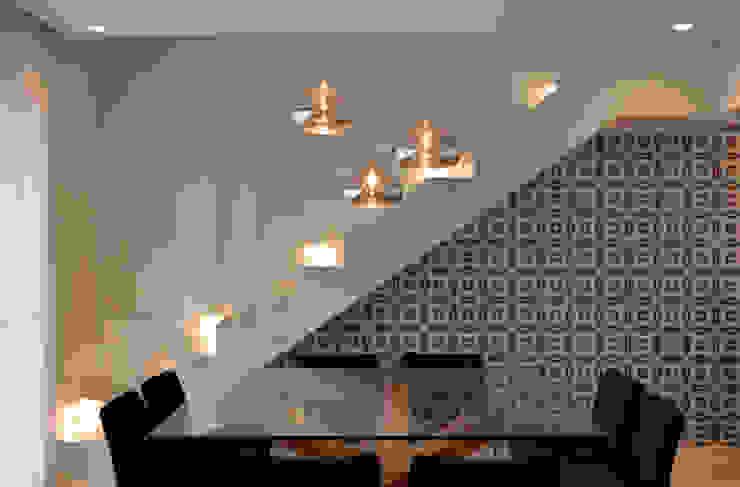 Apartamento 294m² Salas de jantar modernas por Fabiana Rosello Arquitetura e Interiores Moderno