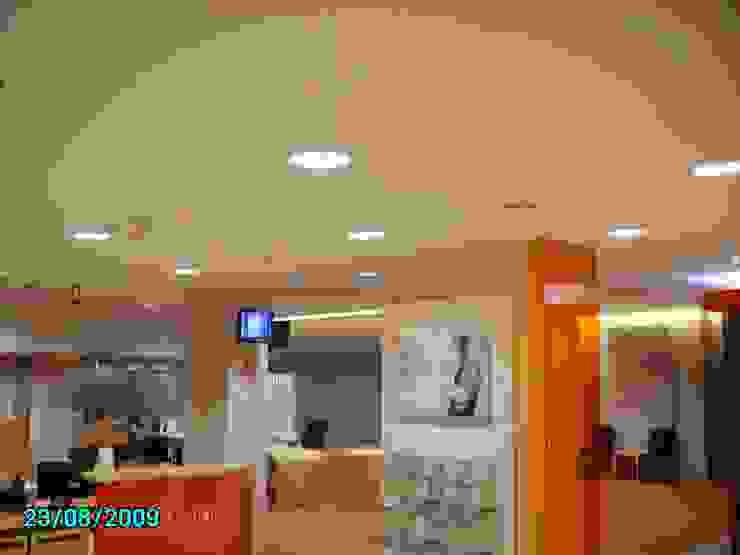 BANK OFFICE INTERIOR diseño y construcción acima,s.l. Oficinas y tiendas de estilo minimalista