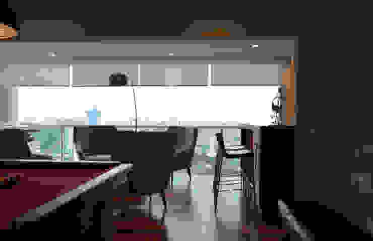 Espaço homem Adegas modernas por Fabiana Rosello Arquitetura e Interiores Moderno
