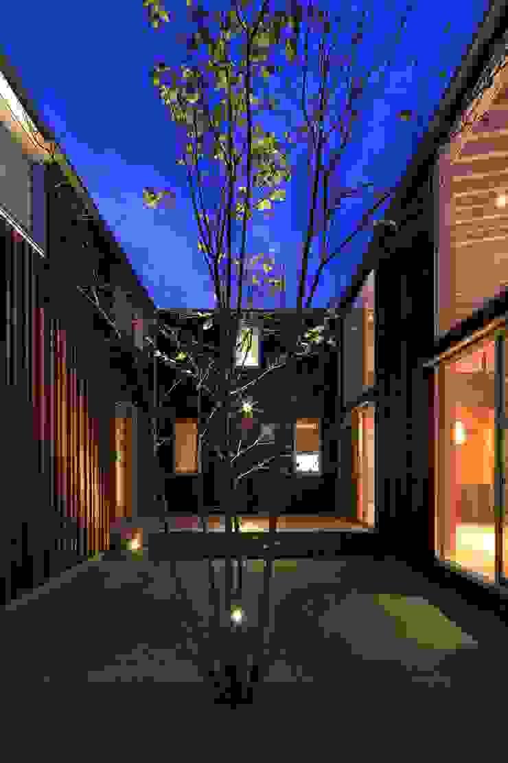 SITSUKAWA HOUSE アジア風 庭 の 髙岡建築研究室 和風