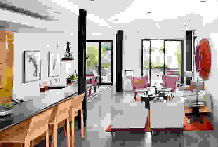 Casa em Sao Francisco Salas de estar ecléticas por Antonio Martins Interior Design Inc Eclético