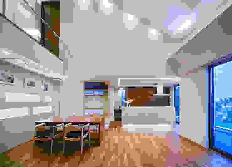 I3-house「丘の上にある造形」 モダンデザインの ダイニング の Architect Show Co.,Ltd モダン