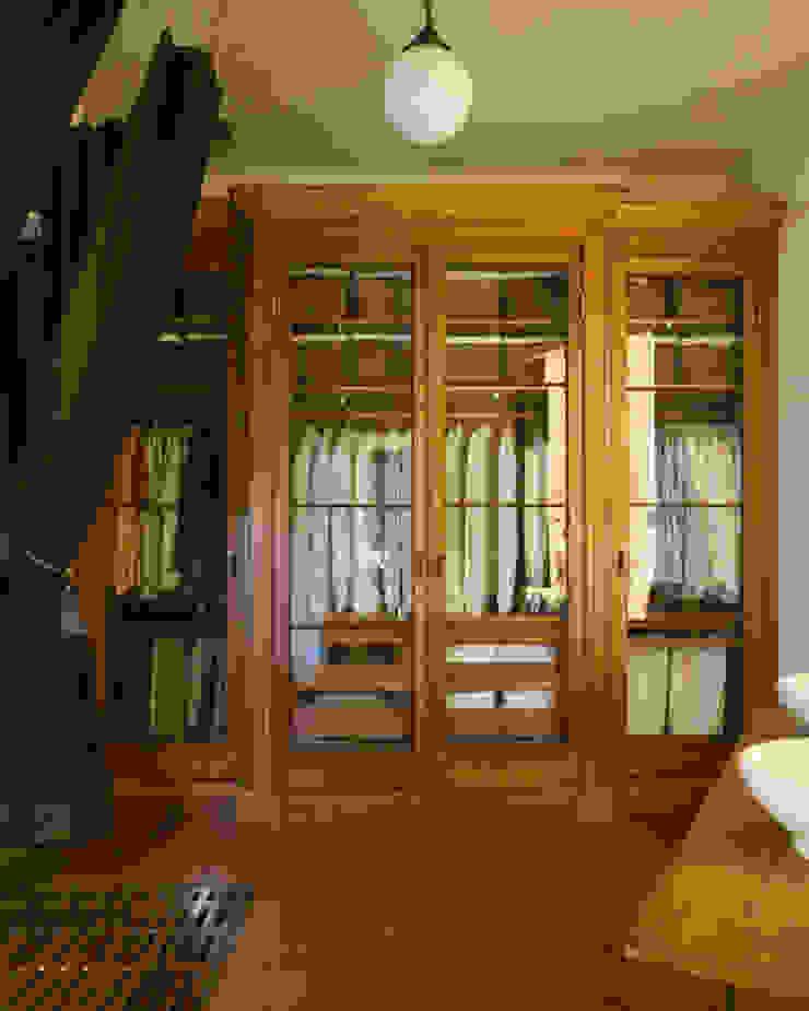 Antonio Martins Interior Design Inc Baños de estilo ecléctico