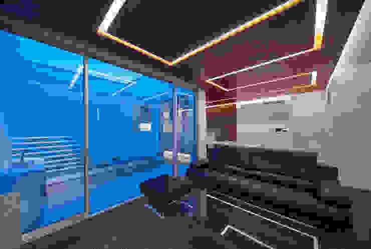 Y8-house「木と石の家」 モダンデザインの リビング の Architect Show Co.,Ltd モダン