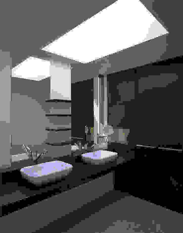 G-house 「展望の家」 モダンスタイルの お風呂 の Architect Show Co.,Ltd モダン