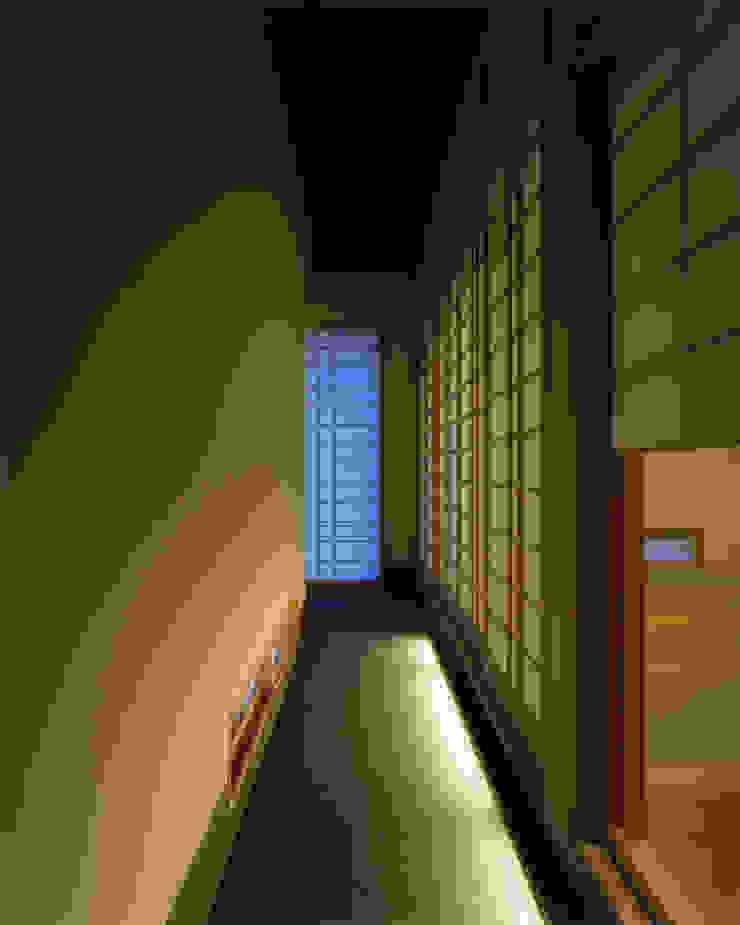 G-house 「展望の家」 モダンスタイルの 玄関&廊下&階段 の Architect Show Co.,Ltd モダン