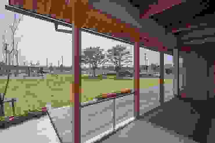 玄関ポーチ オリジナルスタイルの 玄関&廊下&階段 の 家山真建築研究室 Makoto Ieyama Architect Office オリジナル