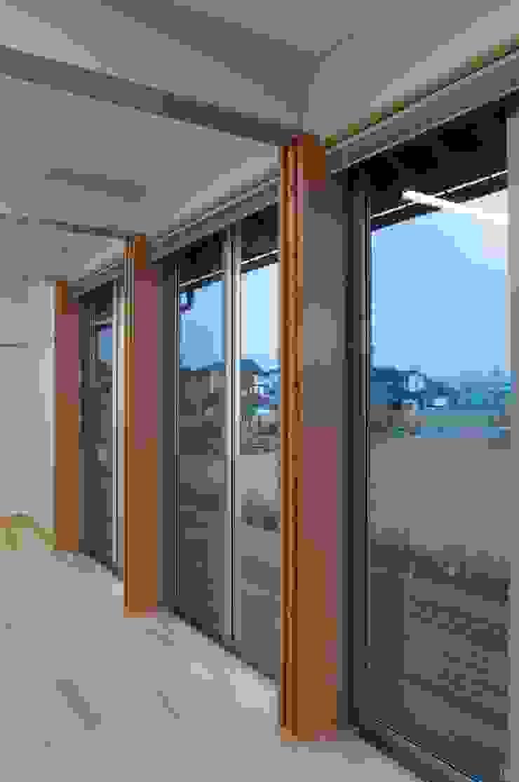 大会議室 オリジナルデザインの 多目的室 の 家山真建築研究室 Makoto Ieyama Architect Office オリジナル