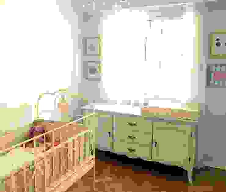 COMODAS, MESITAS, ESCRITORIOS... Mostaza Espacio de Diseño Dormitorios infantiles Placares y cómodas