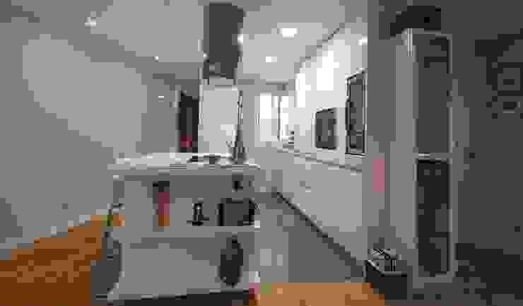 Cocinas modernas de MOBIMAR INTERIORISMO Moderno