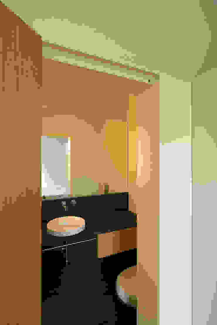 Remodelação de Apartamento na Pasteleira Casas de banho escandinavas por ABPROJECTOS Escandinavo