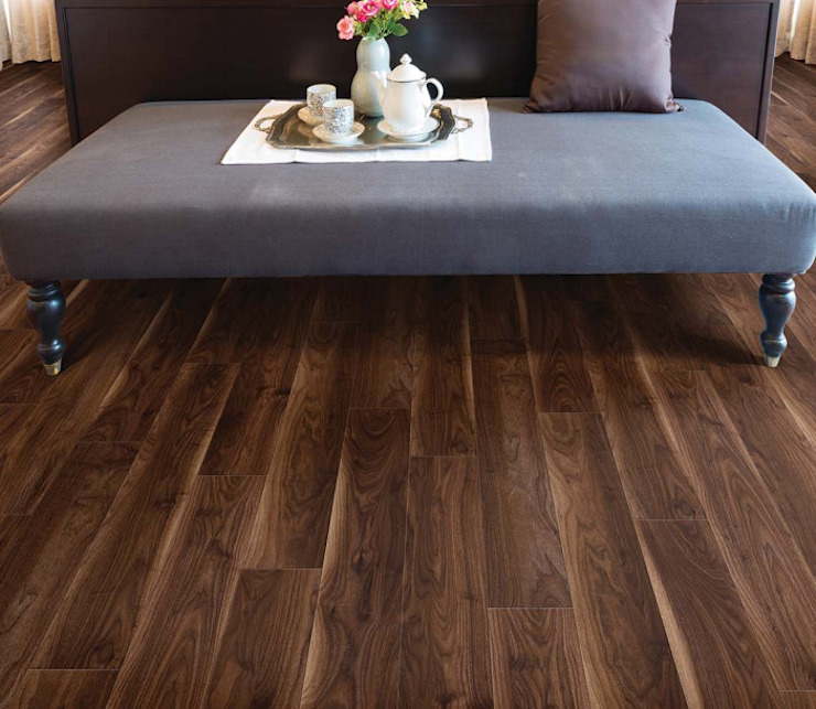 by homify Rustic Engineered Wood Transparent