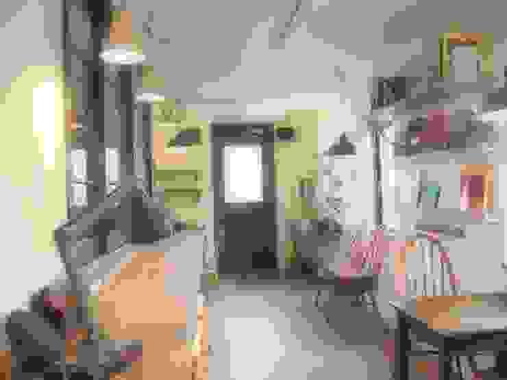 店舗部 カフェスペース 北欧スタイル 窓&ドア の ReBORN House レボンハウス 北欧 木 木目調