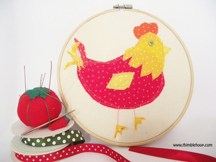 The little red hen hoop art par Thimble Hoop Rustique Textile Ambre/Or
