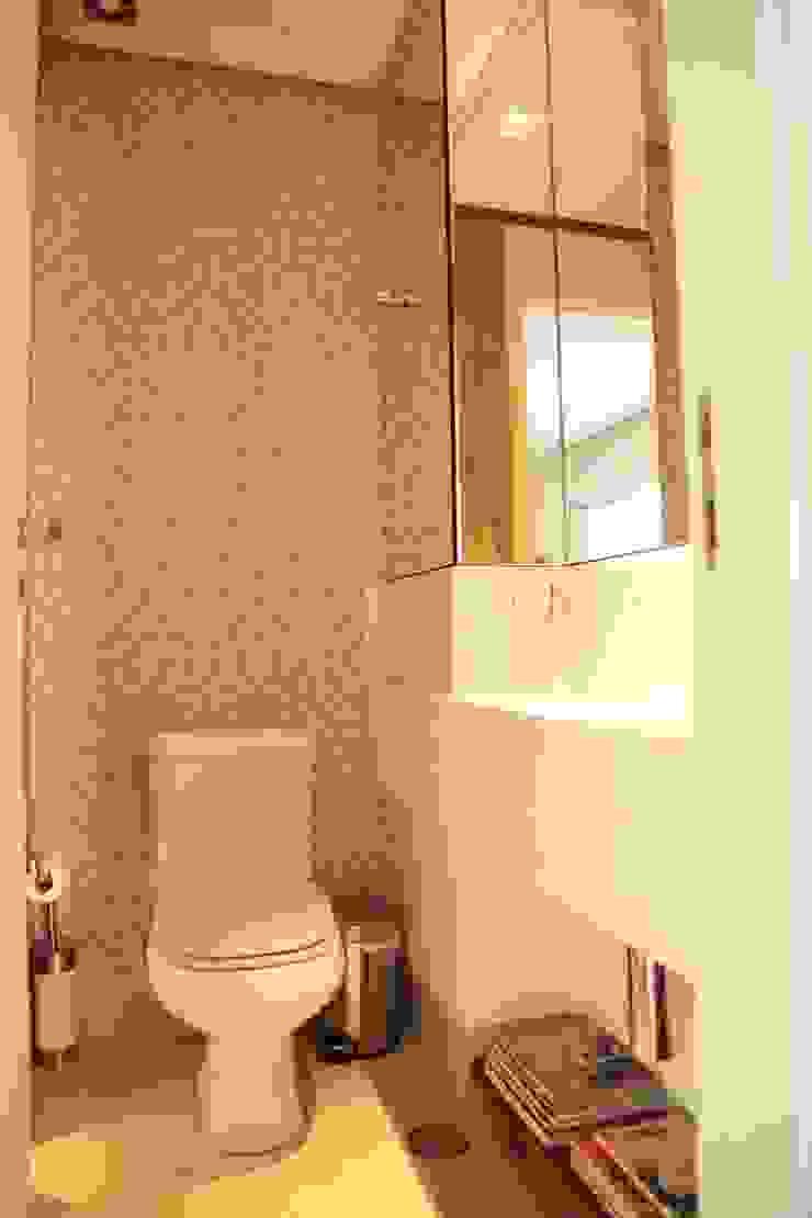 Lavabo por Fabiana Rosello Arquitetura e Interiores Rústico