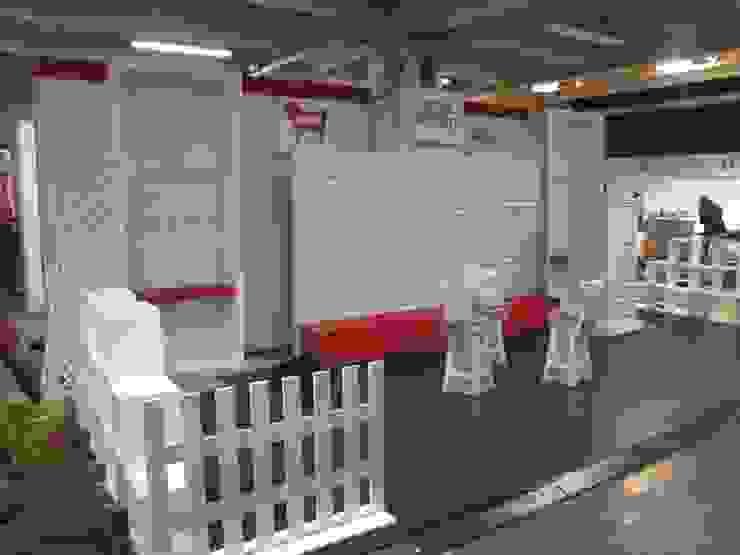 Proceso de construcción del stand de SIMETRIC ARQUITECTURA INTERIOR