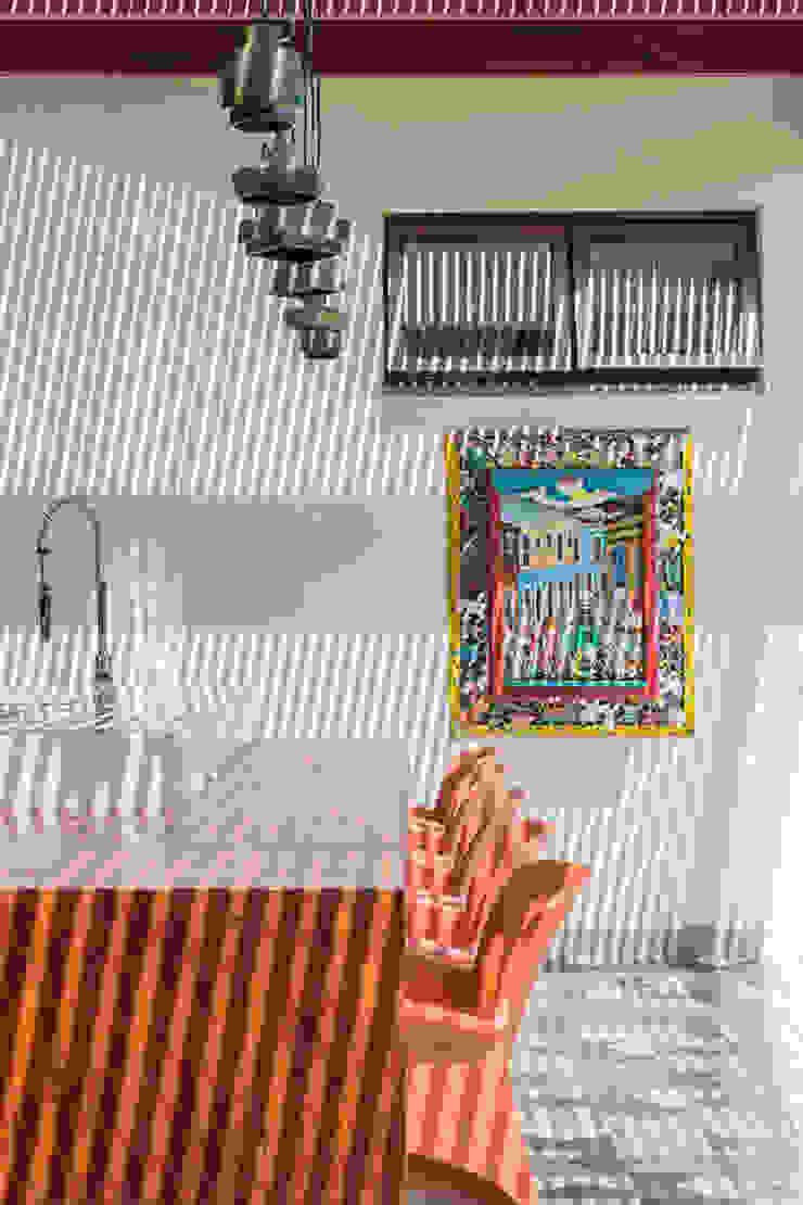 Residência Londrina 3 Varandas, alpendres e terraços modernos por Antônio Ferreira Junior e Mário Celso Bernardes Moderno
