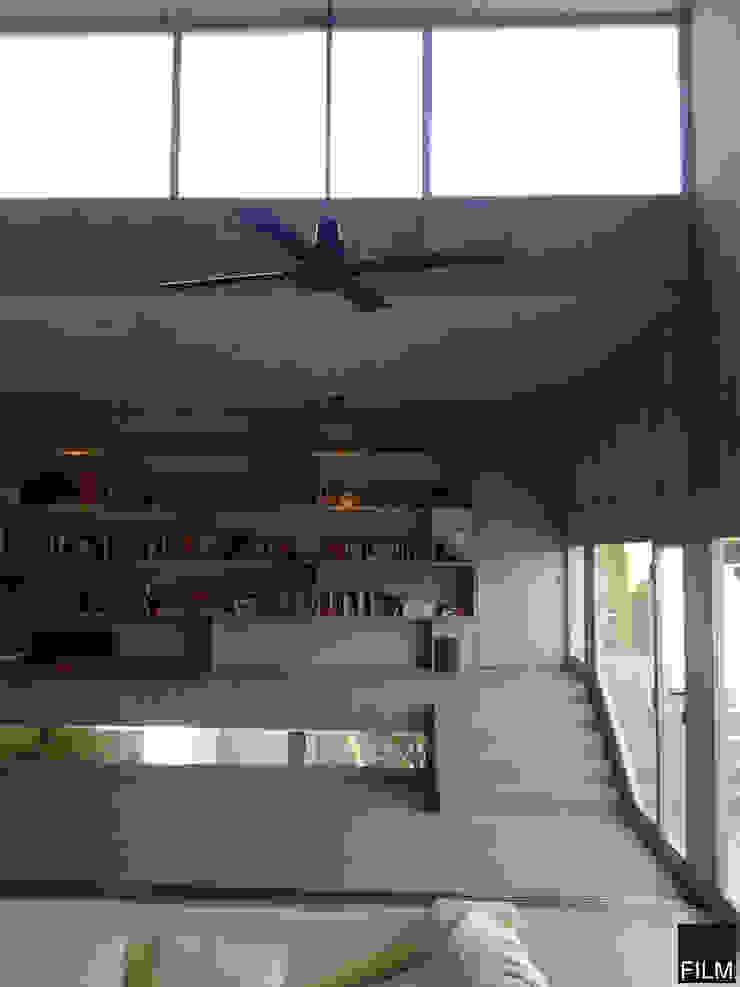 Modern study/office by FILM OBRAS DE ARQUITECTURA Modern Concrete
