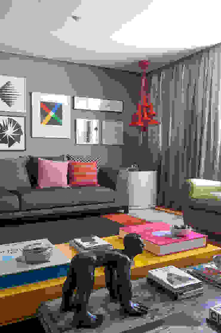 Livings modernos: Ideas, imágenes y decoración de Antônio Ferreira Junior e Mário Celso Bernardes Moderno