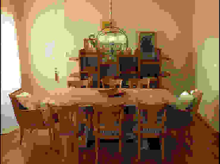 Carolina biercamp Ruang Makan Modern