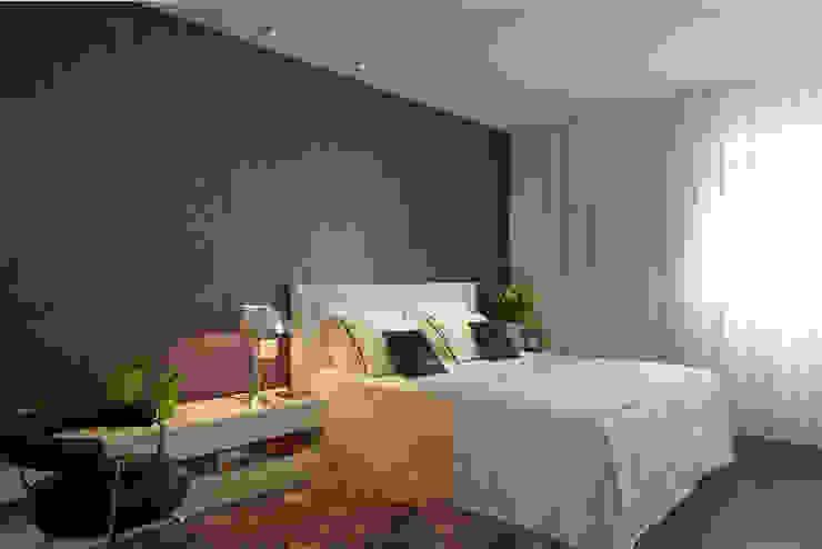 Спальня в стиле модерн от Elisabete Primati Arquitetura Модерн