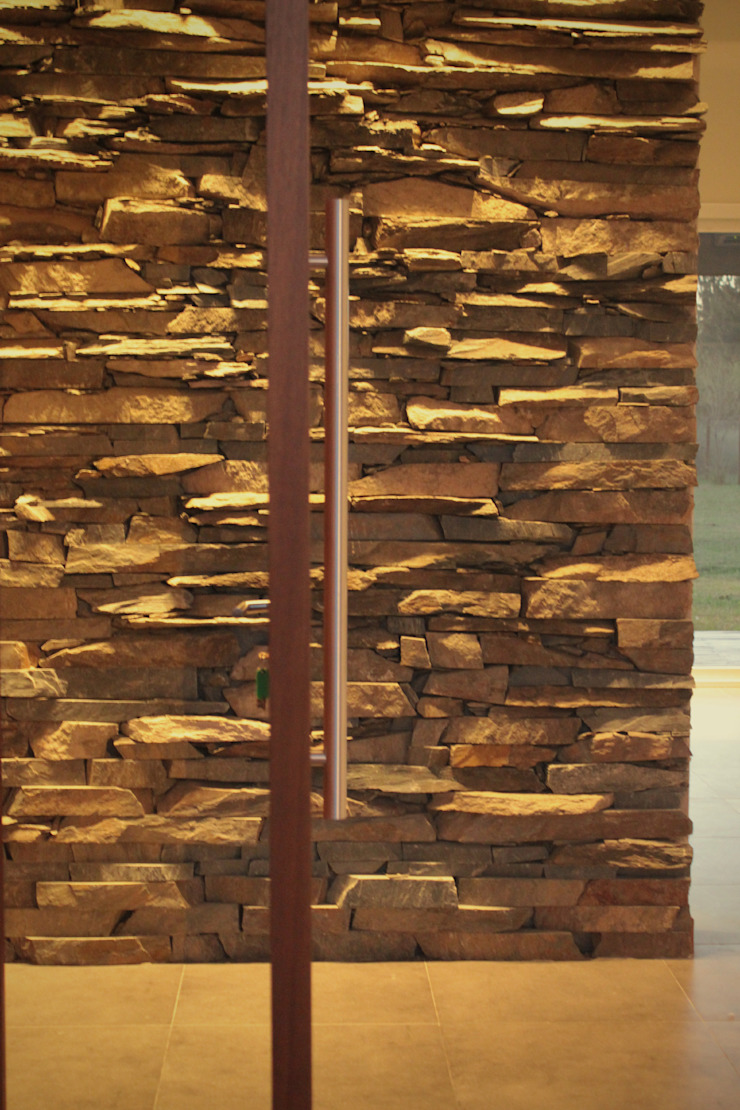 Minimalist corridor, hallway & stairs by JORGELINA ALVAREZ I arquitecta I Minimalist