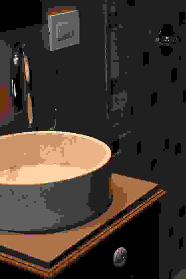 Minimalist style bathroom by JORGELINA ALVAREZ I arquitecta I Minimalist