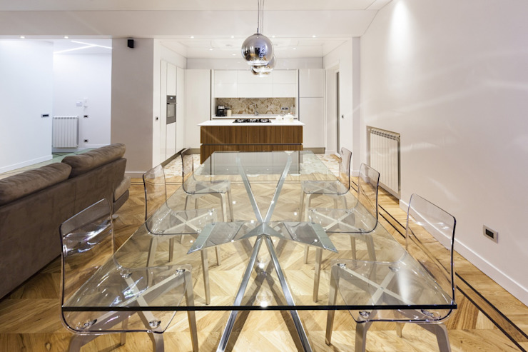 Modern dining room by GINO SPERA ARCHITETTO Modern