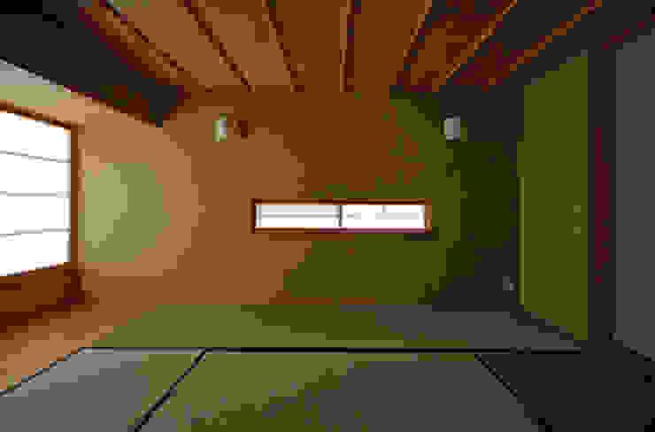 和室 クラシカルな 家 の 小林良孝建築事務所 クラシック 無垢材 多色